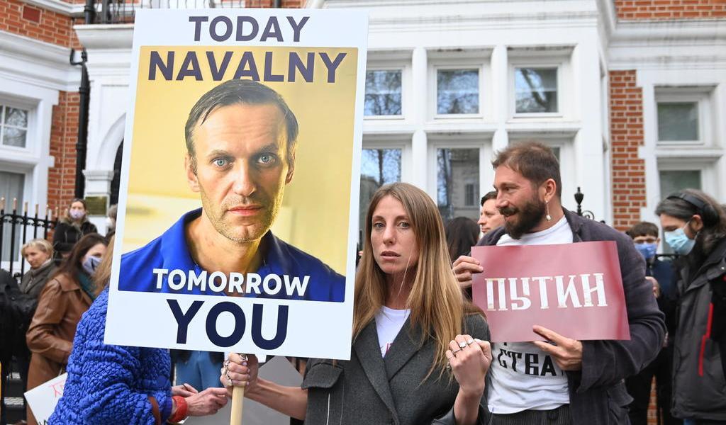 Navalni pone fin a huelga de hambre en cárcel de Rusia