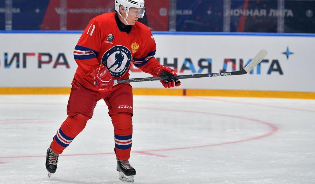 Putin se pone los patines; marca nueve tantos en partido de hockey