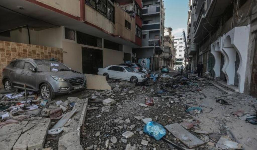Israel bombardea y derriba otra torre en Gaza; sede de agencia AP y Al Jazeera