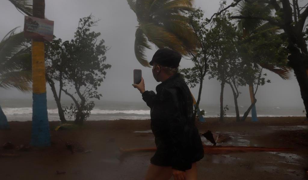 Prevé EUA entre 6 y 10 huracanes en el Atlántico