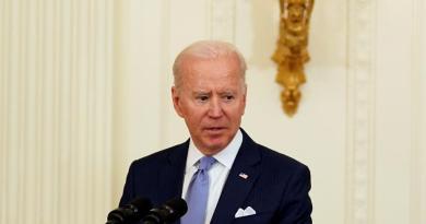 EUA puede producir 1,000 millones de dosis de la vacuna antiCOVID-19 más para compartir:  Biden