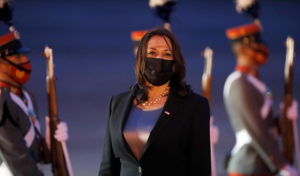 Kamala Harris encara problemas que causan migración en Guatemala