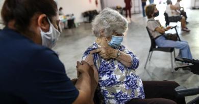Aprueba Argentina uso de vacuna contra COVID de CanSino