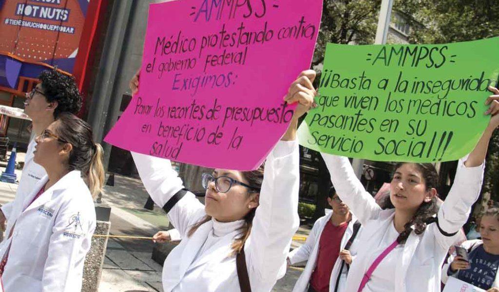 Médico en México: profesión de alto riesgo