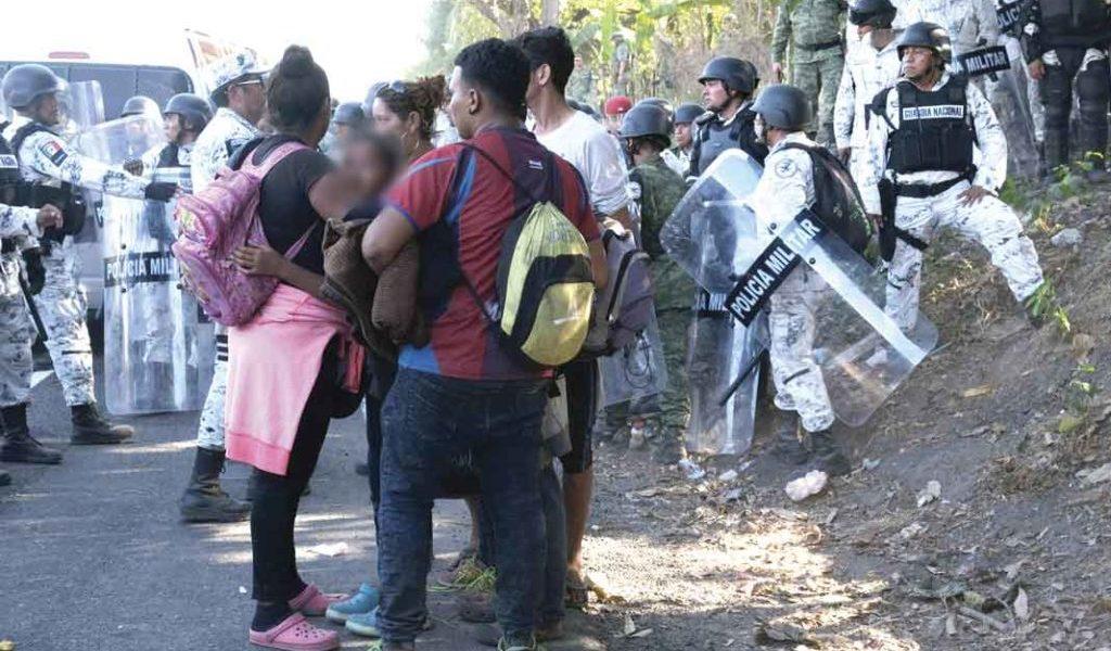 Solalinde: mandan a mujeres y niños a confrontar a la GN