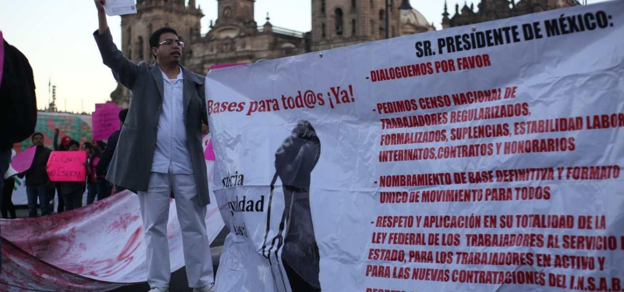 Pacientes con VIH se suman a la protesta de mujeres con cáncer