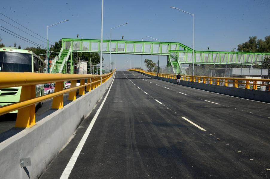 Inauguran puente vehicular en Eje Central después de cinco años