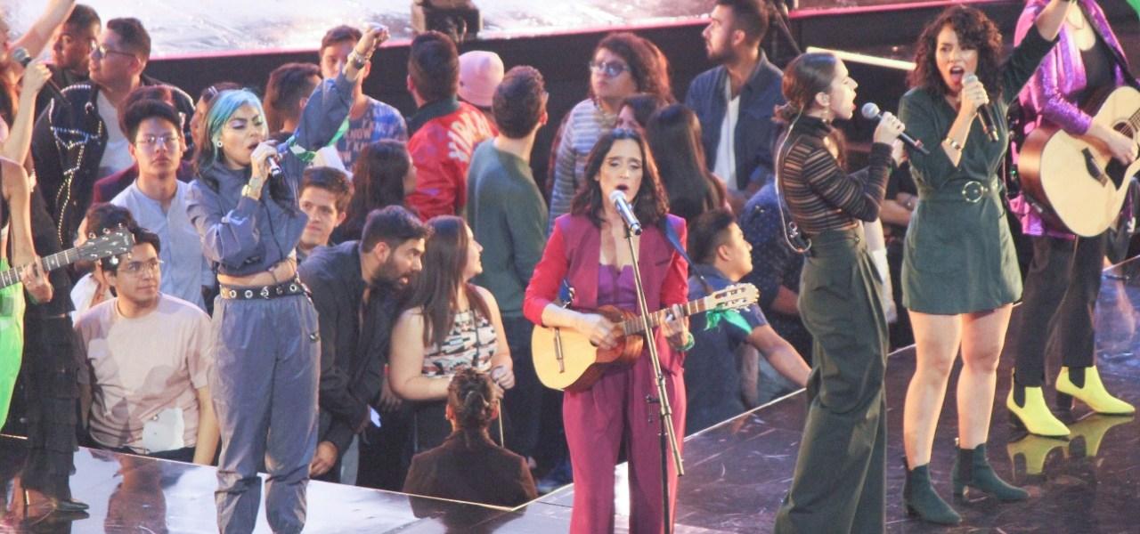 Cantantes se pronuncian contra los feminicidios en los Spotify Awards