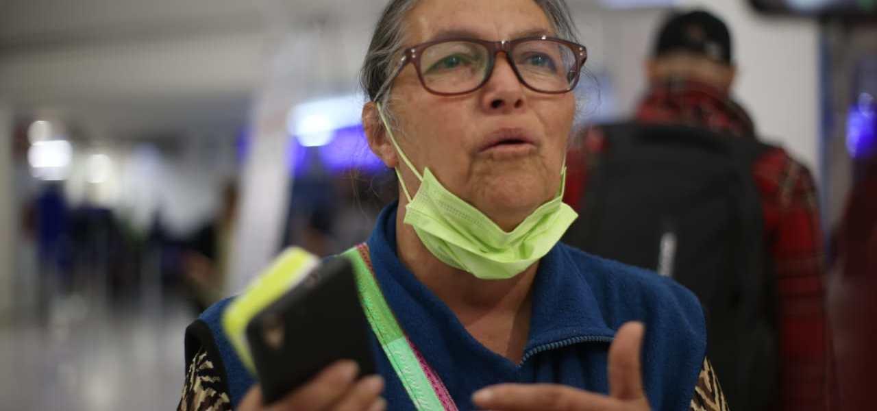 Chilenos permanecerán más días varados en AICM