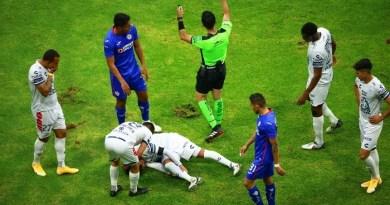 Césped del Estadio Azteca genera alarma