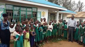 053 School children 5 - Masaba