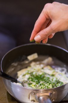 chives-and-cream-sauce