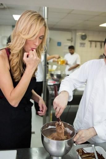 24-galleries-lafayette-buche-de-noel-chocolate-cake-mix