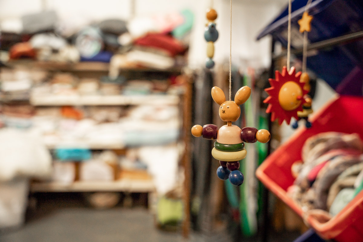 ruilwinkel houten konijn spullen goes Zierikzee fotografie