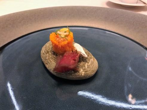 Rüeblisalat, Trockenfleisch und Champignon