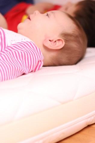 Die richtige Matratze für Babys