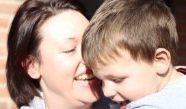 """Mutter und Sohn: """"Ich passe auf Dich auf, mein geliebtes Kind"""""""