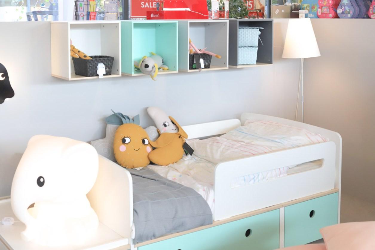 Kinderbett mit Rausfallschutz gemeinsames Kinderzimmer Junge Maedchen038