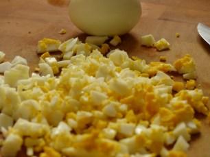 Gehacktes Ei für Frankfurter Grüne Soße