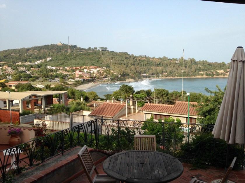 Blick von der Terrasse auf Porto Frailis