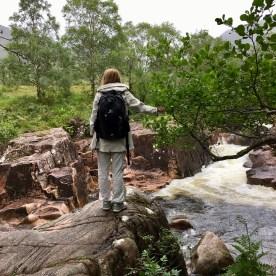 Wanderung am Fluss im Glen Nevis