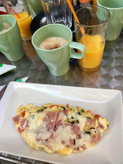 Frühstück im Paisano Café in Barcelona