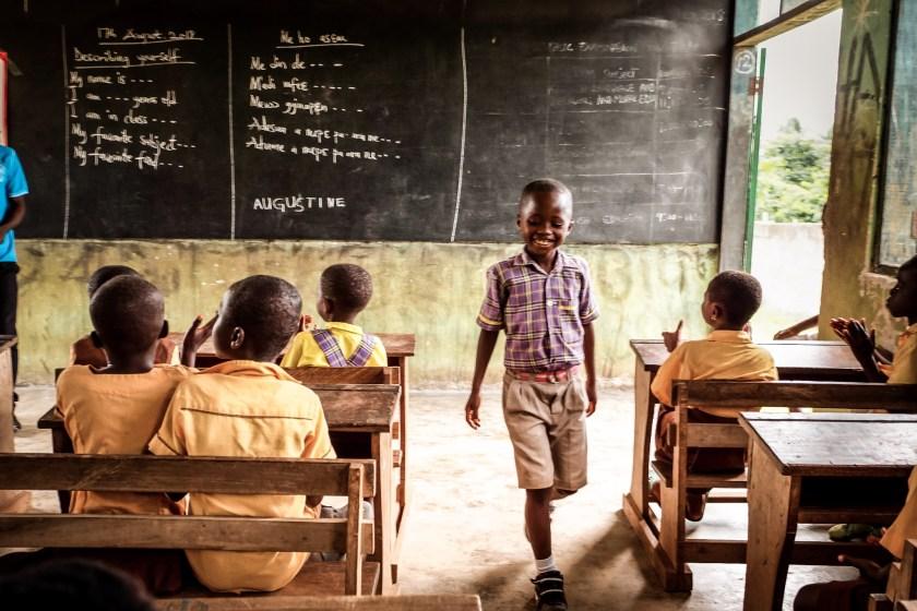Zugang zur Schule mit World Vision Kinderpatenschaft