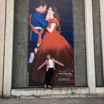 Plakat am Festspielhaus