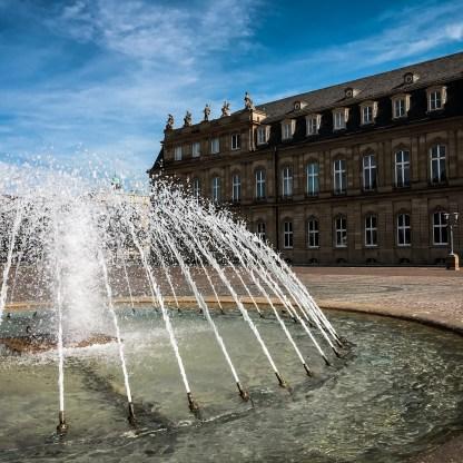 Brunnen am neuen Schloss