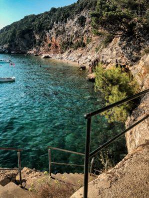 Treppen ins Wasser