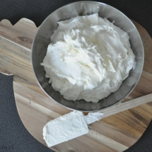 fluffy creamcheesefrosting