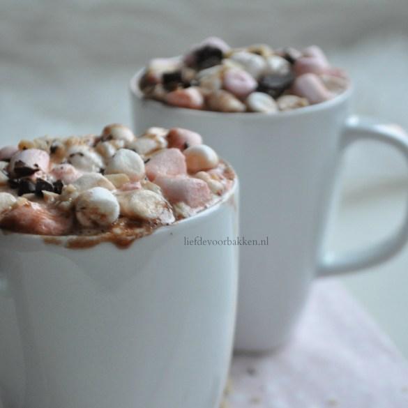 Warme chocolade melk met Nutella