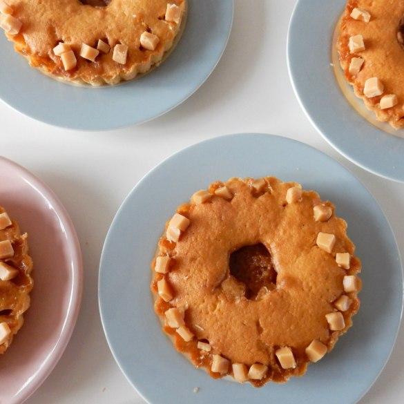 Zachte caramel fudge taartjes