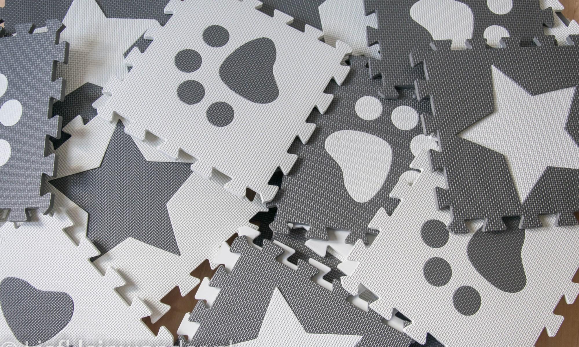 Foam vloerpuzzel grijs wit sterren pootjes