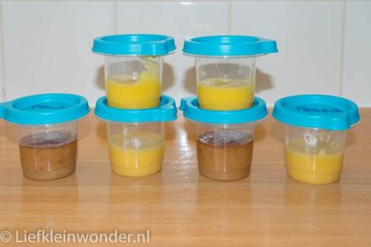 Jayden 7 maanden en 3 weken oud fruitjes fruit hapje nectarine perzik pruim