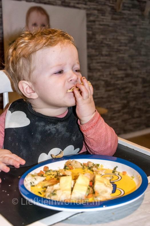 Jayden 12 maanden en 1 week oud,1 jaar, groente wraps, witte bonen