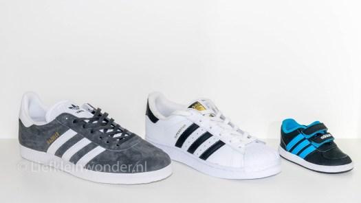Jayden 15 maanden oud - Eerste schoentjes, baby adidas schoentjes, jongens schoenen, mannen schoenen adidas, vrouwen schoenen adidas superstar
