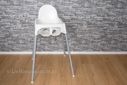 Ikea stoel hack - pimp je ikea stoel met houten poten van een bezemsteel