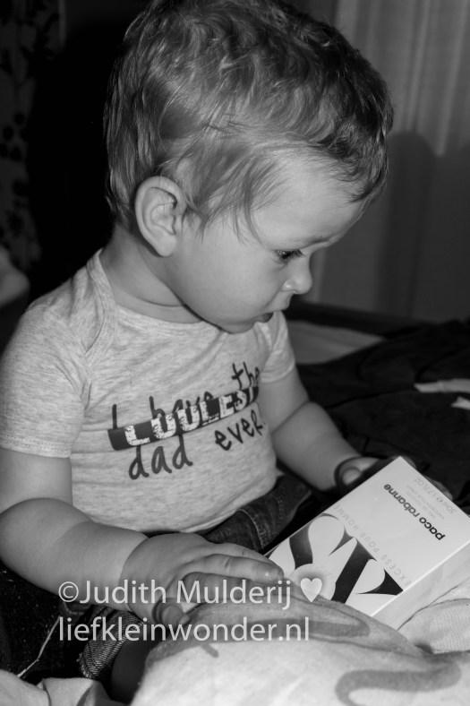 Jayden 17 maanden en 3 weken oud peuter dreumes - Vaderdag 2017 romper cadeautjes TruBlue rugzak Paco Robanne