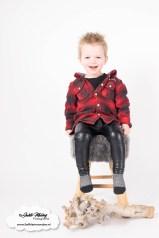 Kleding kinder en babykleding van de kringloop - mama blog fotoshoot jayden peuter houthakker