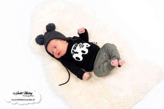 Mama blog lief klein wonder www.liefkleinwonder.nl zwangerschap bevallen clomid ontwikkeling newborn baby kerst bedrukte naam 7 weken oud brandrep tractor shirt soph's baby en kids