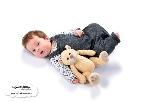 Finley 11 weken oud ontwikkeling blog baby newborn mama blogger opvoeding borstvoeding brandrep  next direct