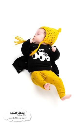 Finley 13 weken oud 3 maanden 1 week ontwikkeling groei kleding maat borstvoeding slapen ritme prikjes blog shoplog mama blog www.liefkleinwonder.nl shop's baby en kids little adventure