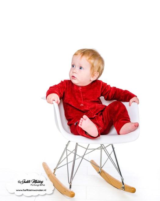 Ribstof baby en kinderkleding corduroy rood handgemaakt little adventure mama blog www.liefkleinwonder.nl fotograaf review shoplog