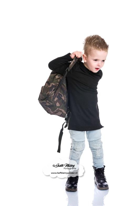 Gepersonaliseerde schoolspullen koter kado blog review mama blog rugzak schoolbeker broodtrommel met naam www.liefkleinwonder.nl