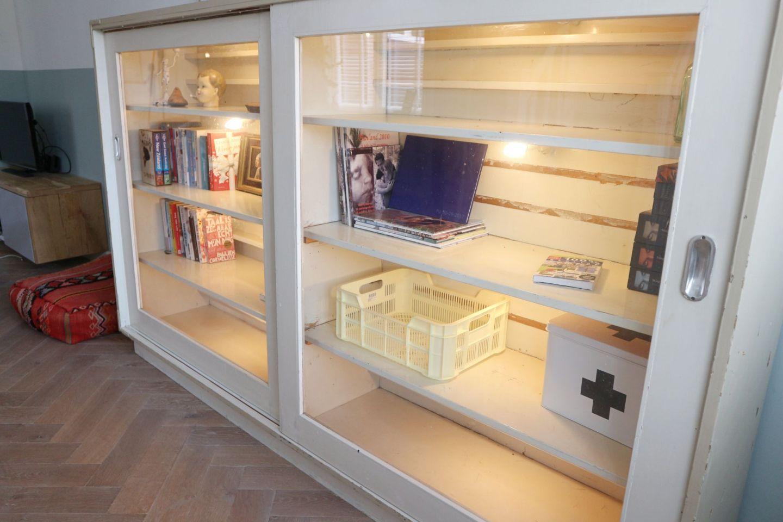 Nieuw in huize Lief thuis… Schoolkast, bord en meer…
