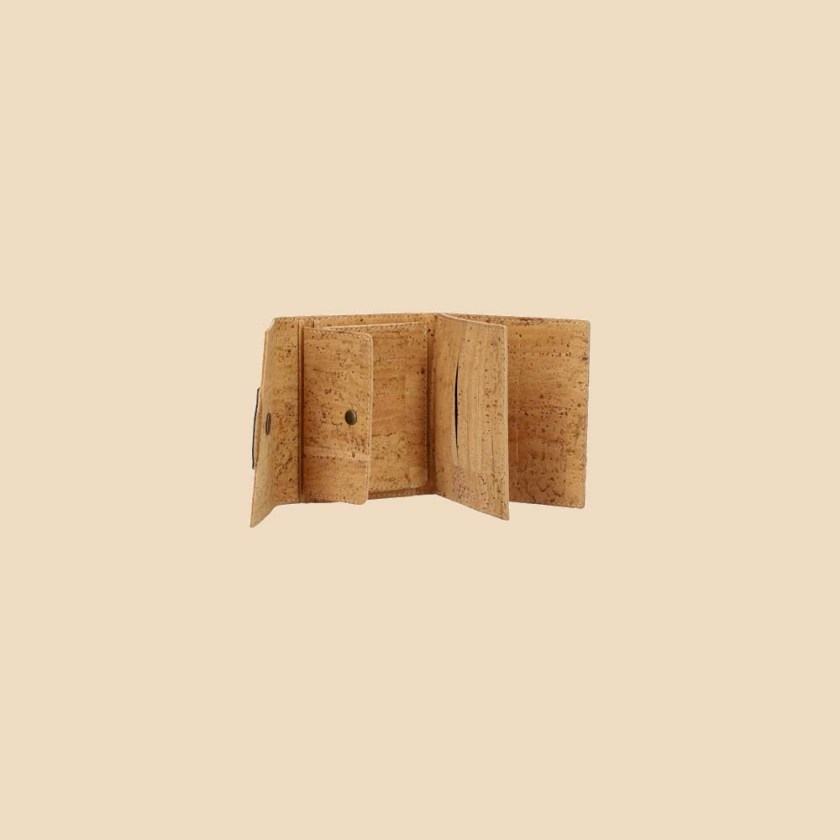 Portefeuille en liège modèle Gaïa vue ouvert trois quarts couleur rouge