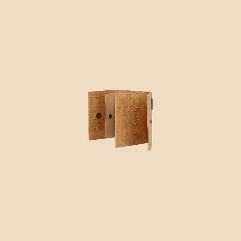 Portefeuille en liège modèle Mumble vue ouvert profil couleur naturel