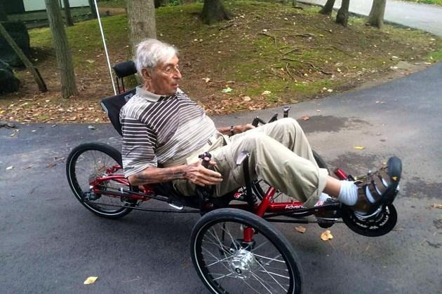 an-fahrrad-trotz-parkinson