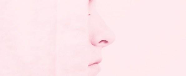 【鼻の脂が臭い!】毛穴から臭いを消し去る方法